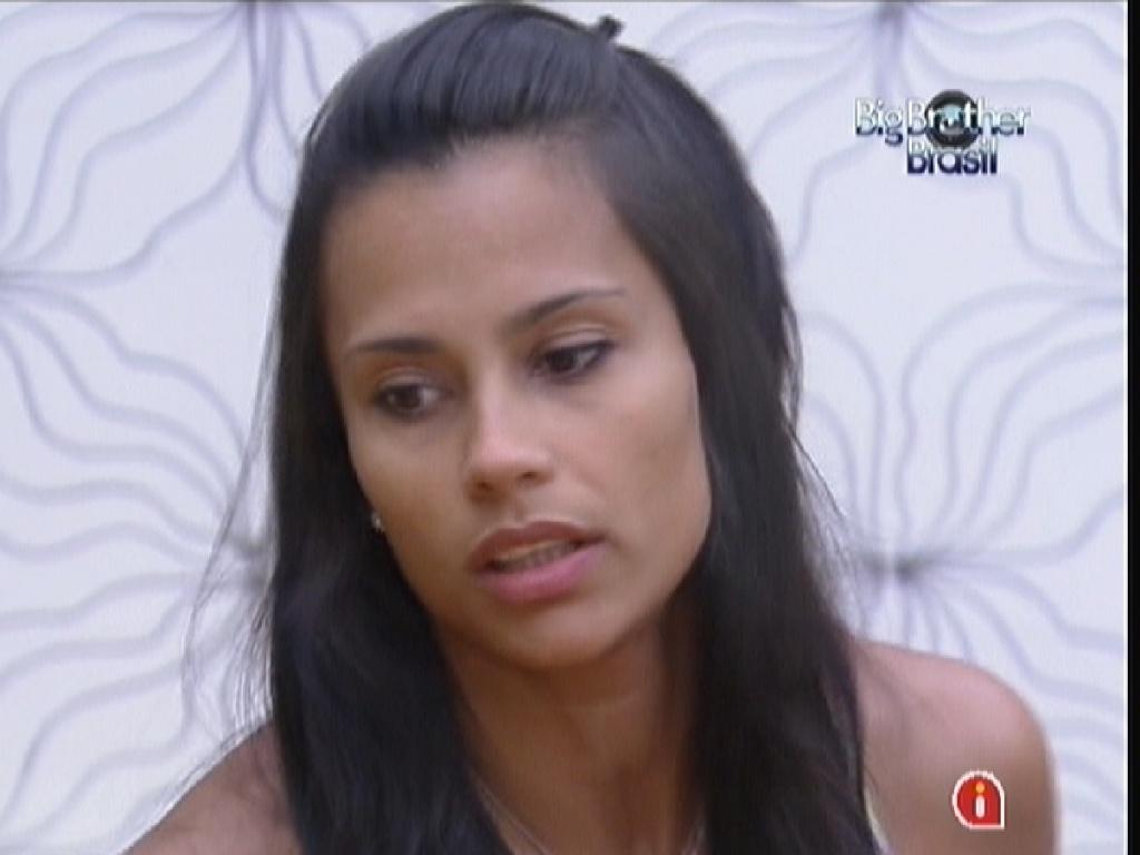 Kelly fala sobre postura de João Carvalho na casa (19/2/12)