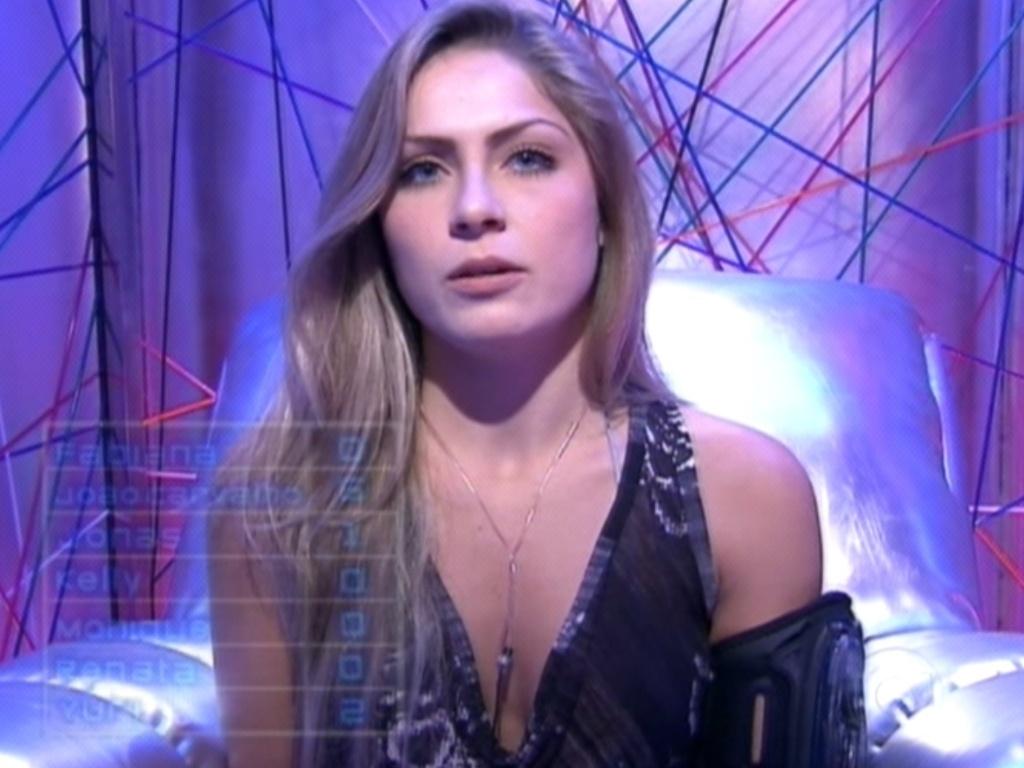 Renata vota em João Carvalho (19/2/12)
