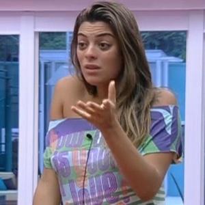 Monique reclama para Kelly e João Carvalho que está engordando (21/2/12)