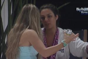 Monique diz para Renata que não confia nela (22/2/12)