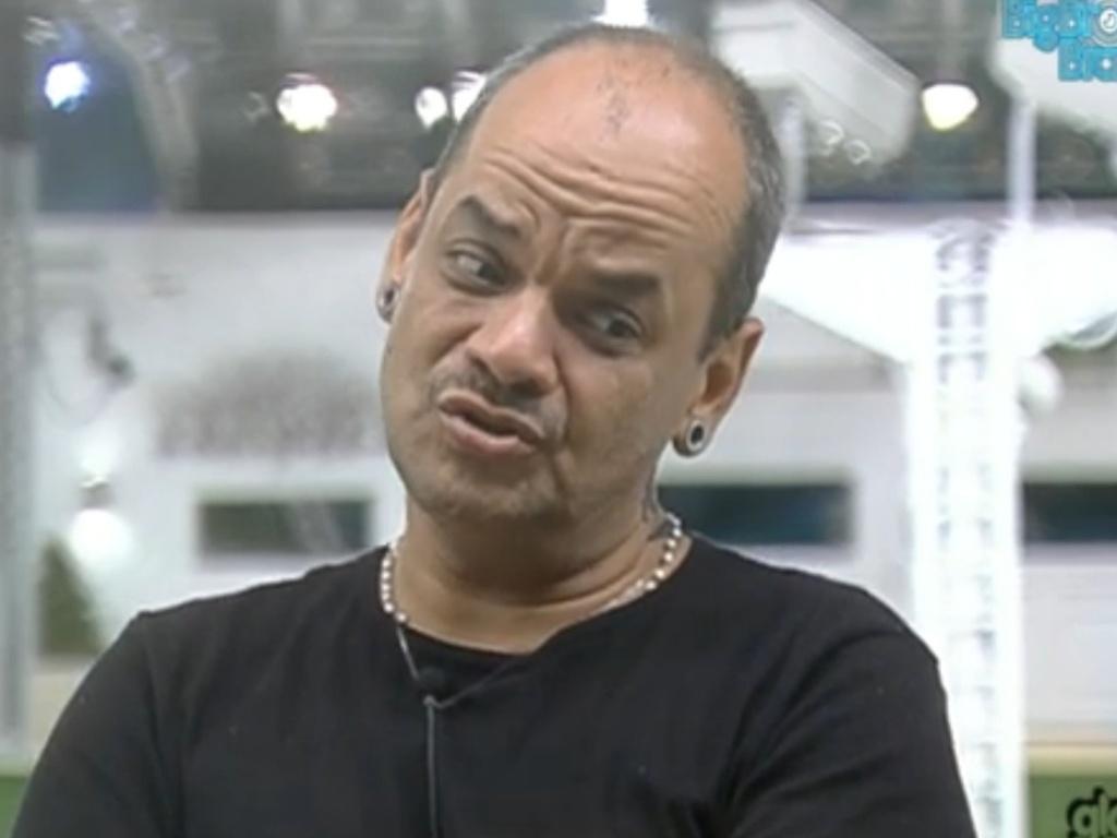 João Carvalho quer combinar votos no quarto Praia (25/2/12)