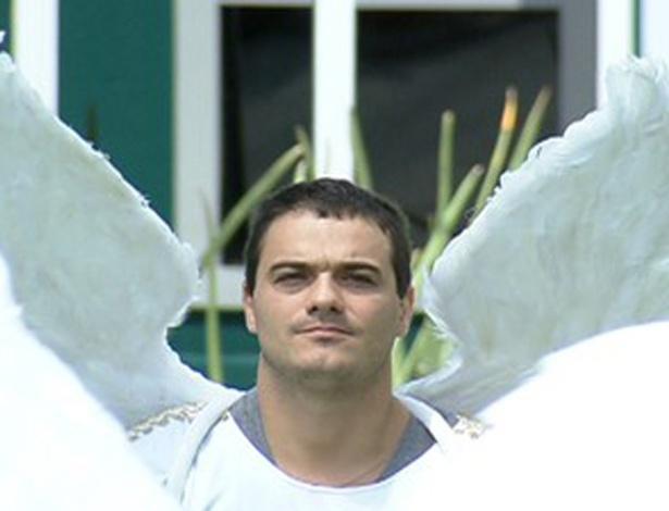 Rafa ganha o colar e é o novo anjo (25/2/12)