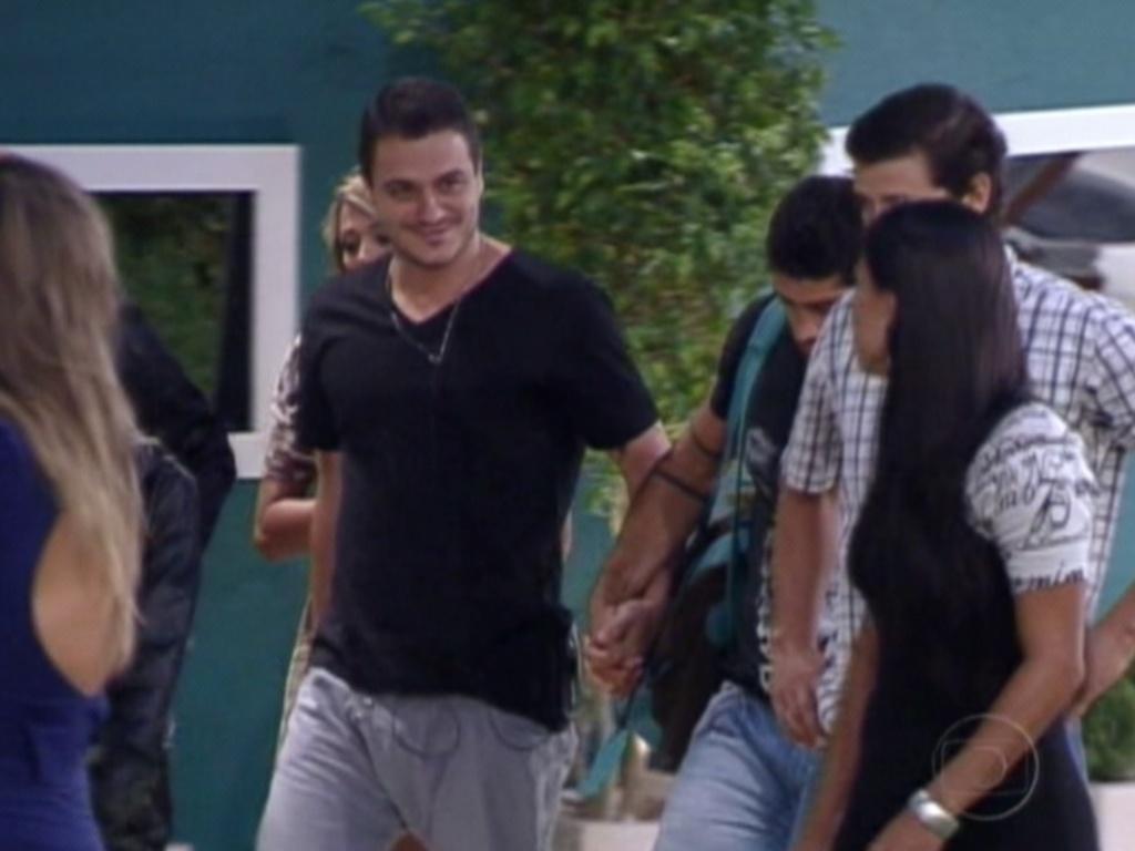 Brothers acompanham Rafa, que foi eliminado com 92% dos votos, no sétimo paredão do