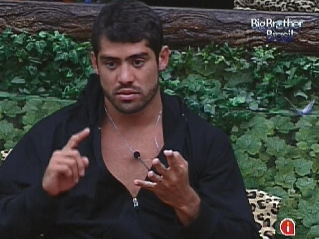 Após se desentender com João Carvalho, Yuri diz que o mineiro deveria se chamar