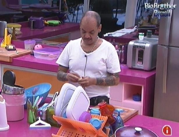 João Carvalho prepara o almoço (29/2/12)