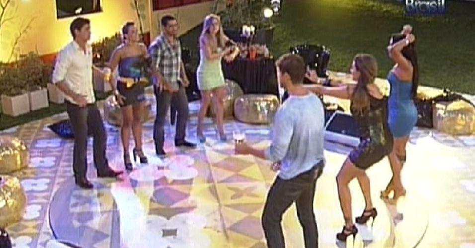 Brothers fazem coreografia de música de Gusttavo Lima (29/2/12)