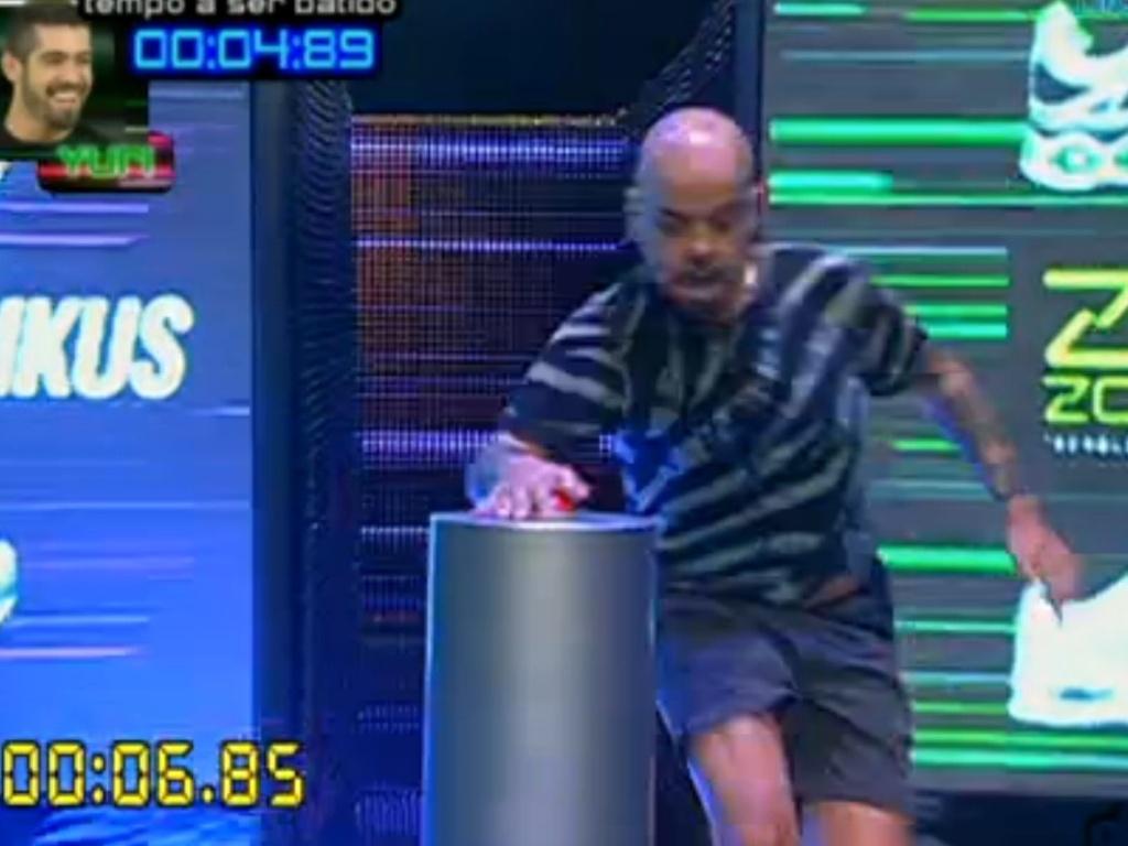 João Carvalho é o sexto a completar o labirinto (1/3/12)