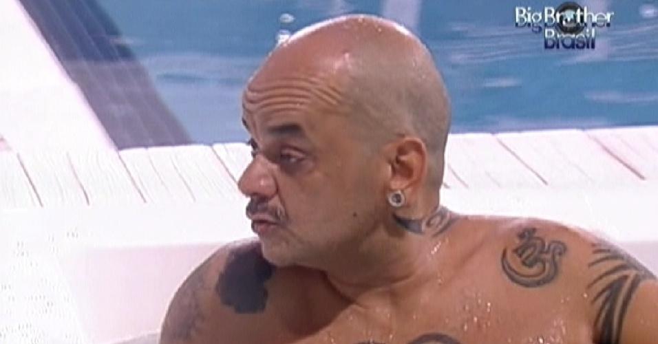 João Carvalho tenta advinhar o voto do anjo Jonas (2/3/12)