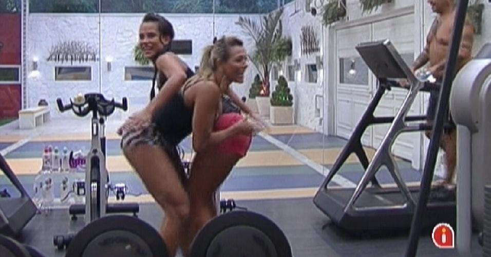 Kelly e Fabiana dão tapas uma na outra na academia (2/3/12)