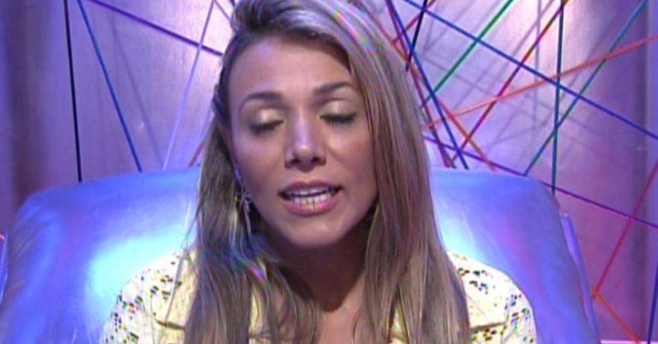 Fabiana vota em Renata (4/3/12)