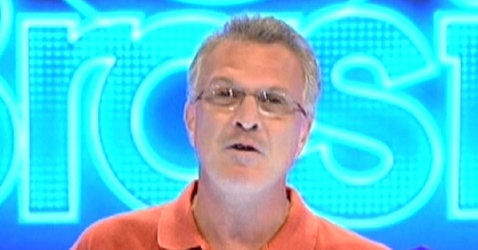 Pedro Bial apresenta o programa ao vivo deste domingo (4/3/12)
