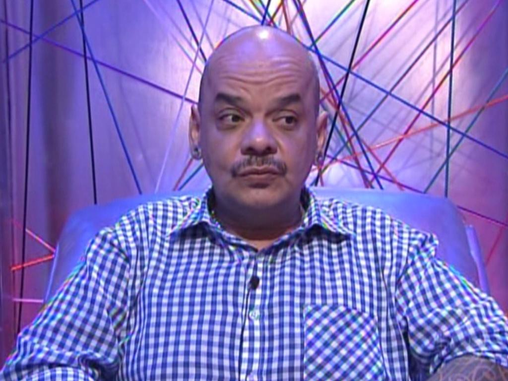 João Carvalho vota em Renata (4/3/12)