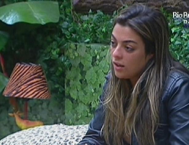 Monique conta para Renata que ficou com Jonas (6/3/12)