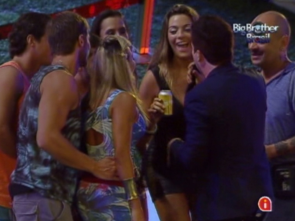 Brothers cantam com Rogério Flausino, do Jota Quest, na festa Pop Brasil do