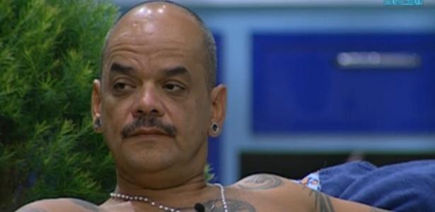 João Carvalho critica Yuri por ter sido agressivo com Jonas durante a festa (8/3/12)