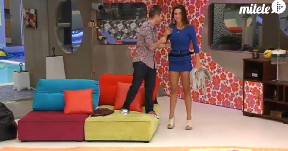 """Laisa conversa com Cristian no """"Gran Hermano"""" espanhol (8/3/12)"""
