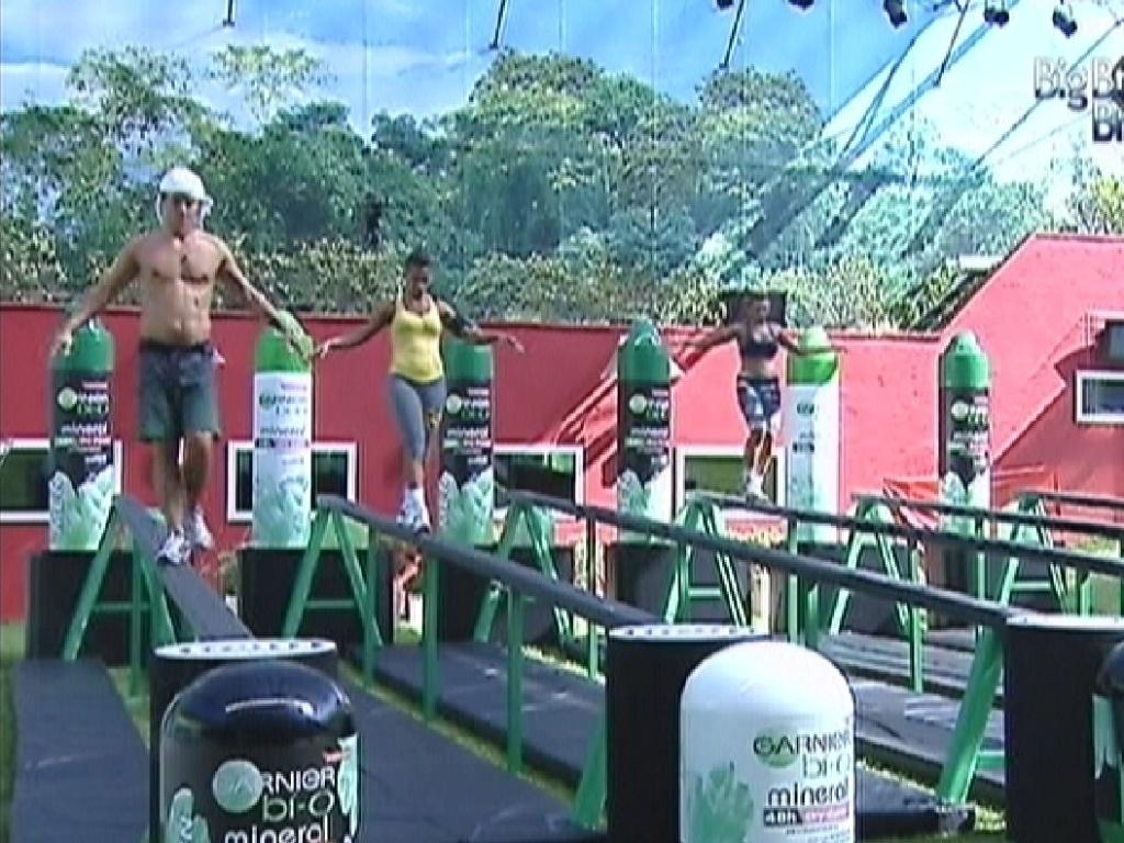 Fael, Kelly e Fabiana são os três últimos na prova do líder (9/3/12)