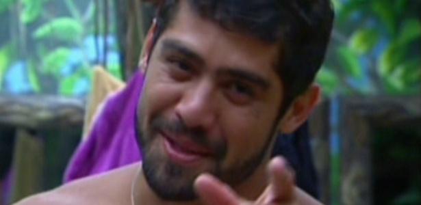 Yuri imita discurso de Pedro Bial (10/3/12)
