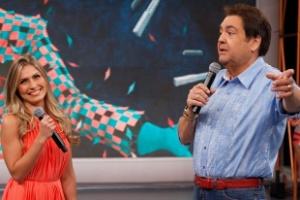 """A ex-BBB Renata em entrevista no programa """"Domingão do Faustão"""" (11/3/12)"""