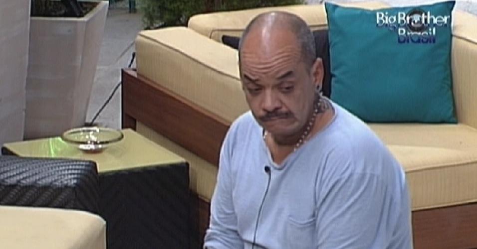 João Carvalho conversa com Fael e Fabiana e disse que está nervoso com o paredão (12/3/12)