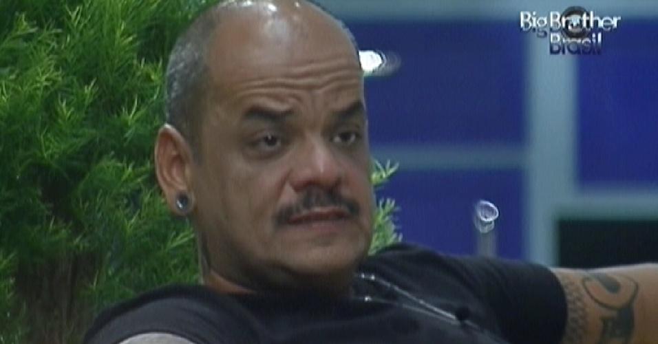 João Carvalho diz estar preocupado com apatia de Kelly no jogo (13/3/12)