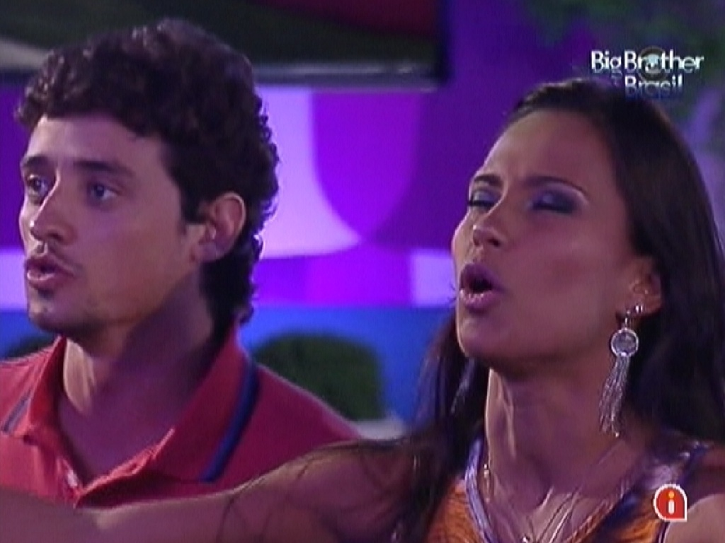 Fael e Kelly cantam durante show de Zezé Di Camargo & Luciano no