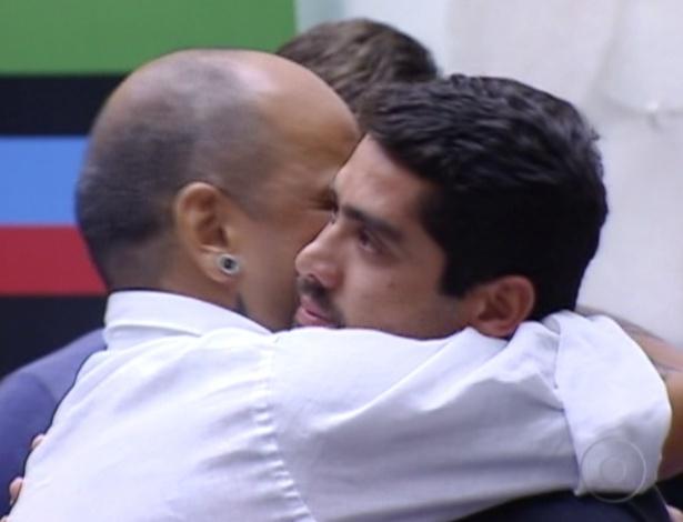 Com 51,23% dos votos, o lutador Yuri foi eliminado no paredão que disputou com João Carvalho
