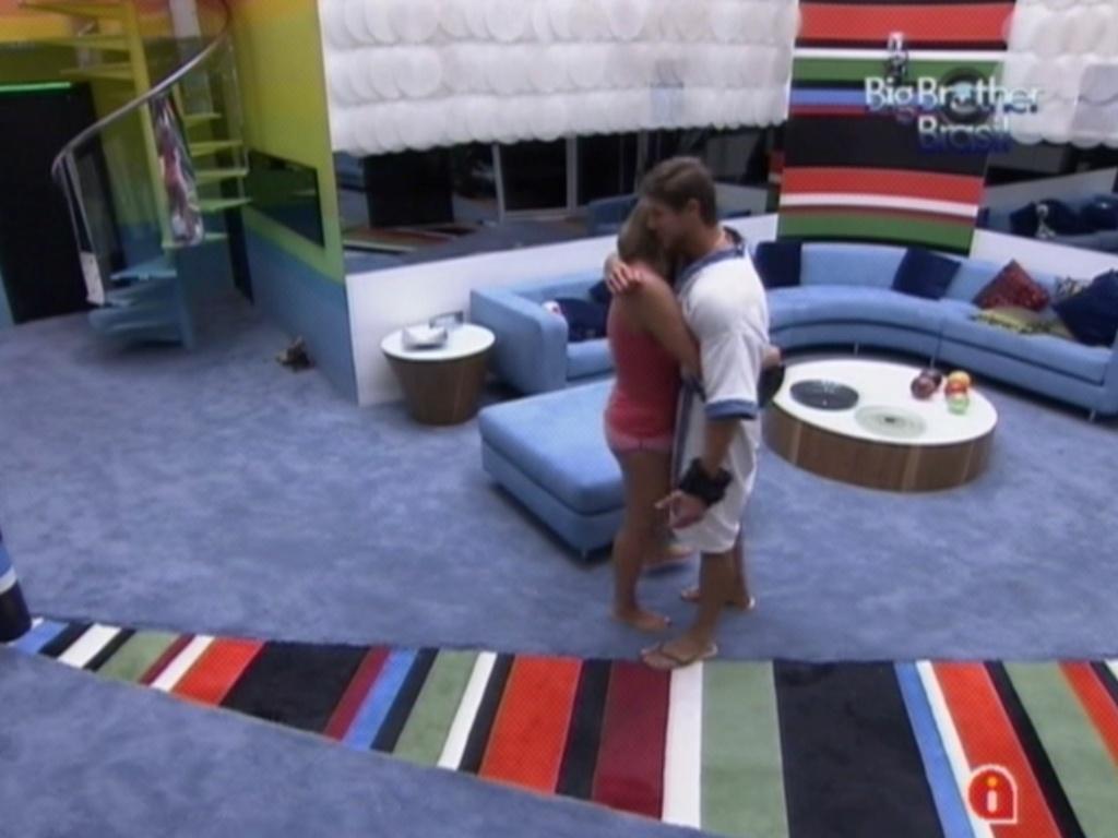 Jonas convida Monique para dormir com ele (16/3/12)
