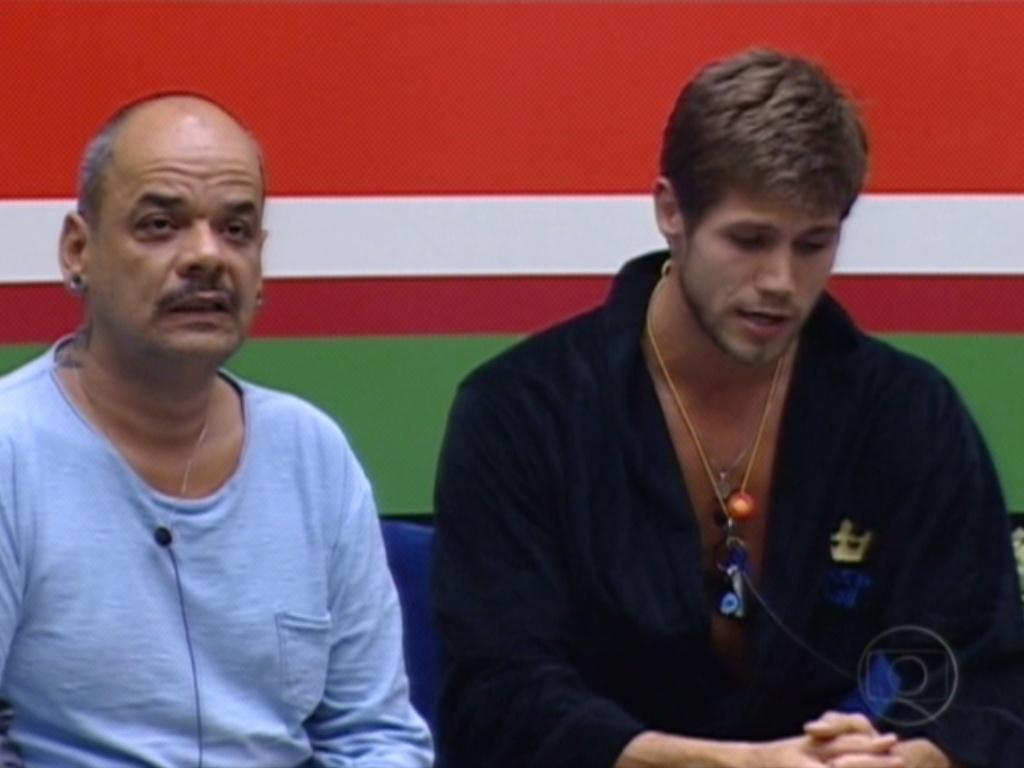 Jonas justifica seu voto em João Carvalho:
