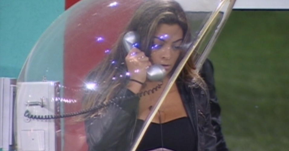 Monique atende o Big Fone (16/3/12)