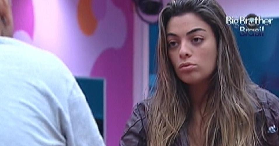 Monique conversa com João Carvalho sobre paredão (16/3/12)