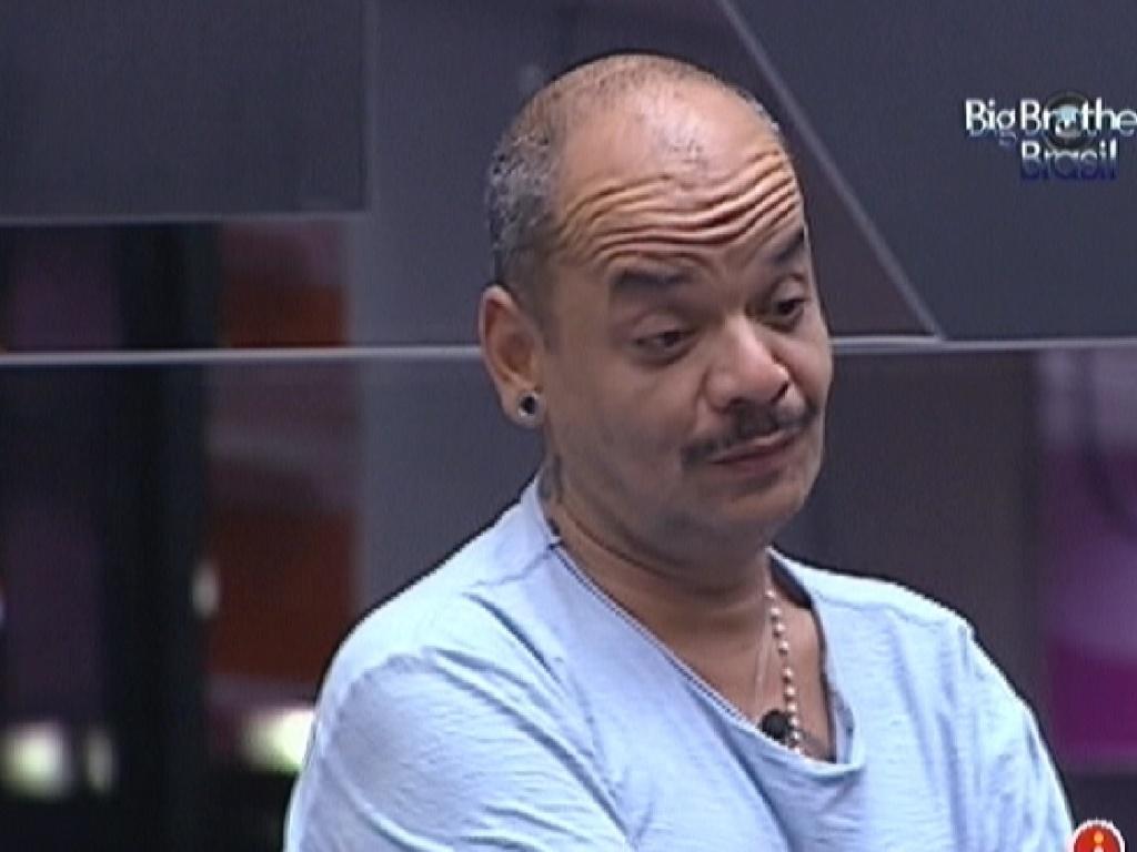 João Carvalho fala que está com medo do paredão (17/3/12)