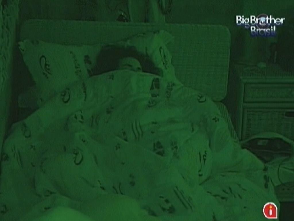 Noemí dorme no quarto Praia com os brothers (17/3/12)