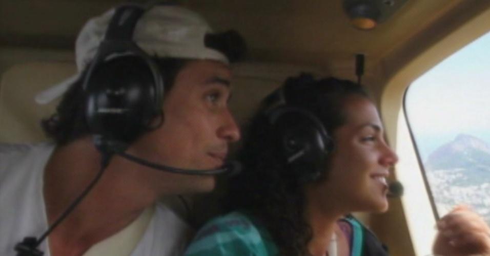 Edição mostra passeio de helicóptero de Fael e Noemí (18/3/12)
