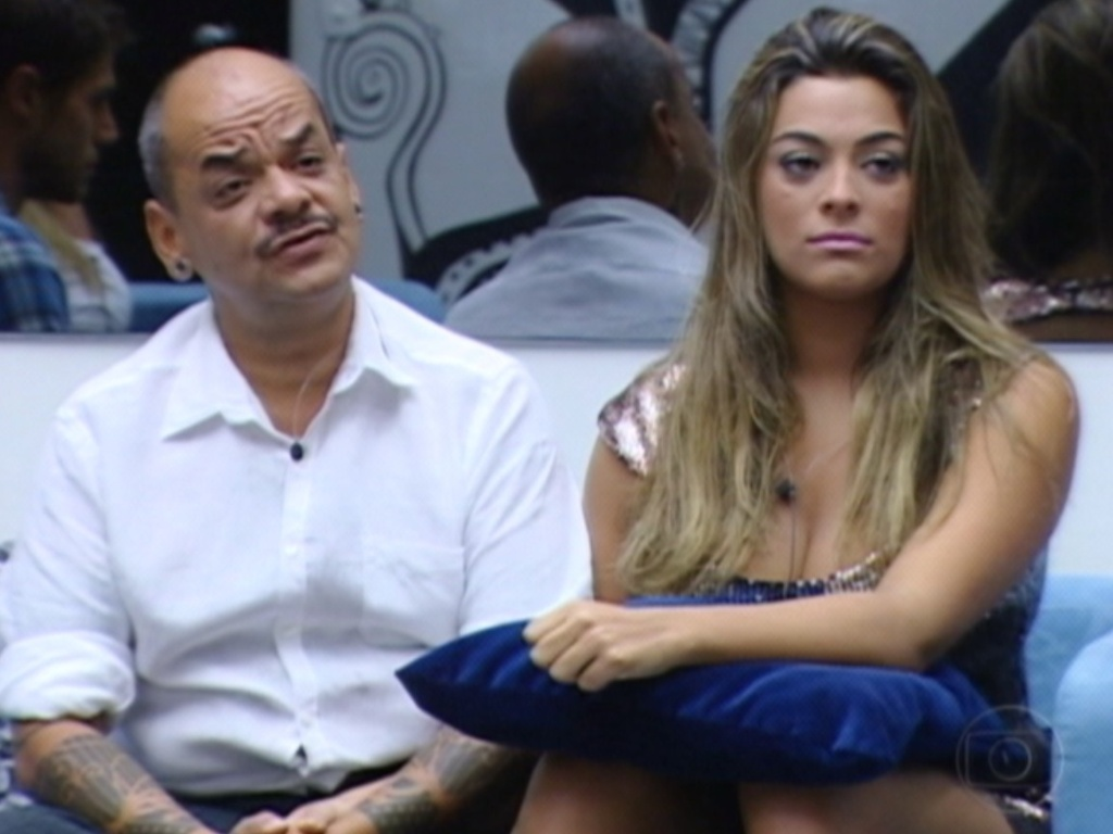 João Carvalho e Monique comentam sobre a dificuldade de se enfrentarem no paredão (18/3/12)