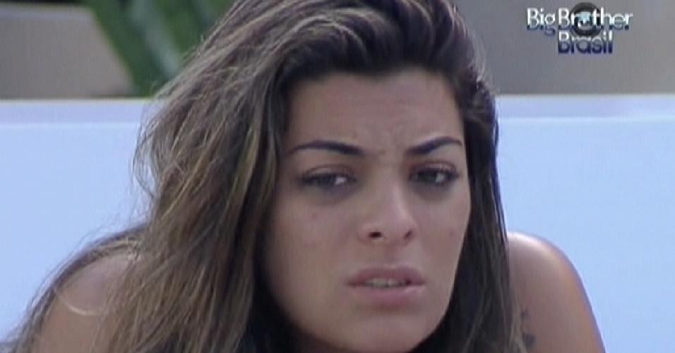 Monique desabafa com João Carvalho sobre desentendimento com Jonas (18/3/12)