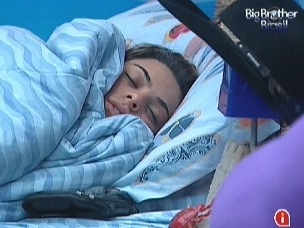 Monique dorme antes do paredão deste domingo (18/3/12)
