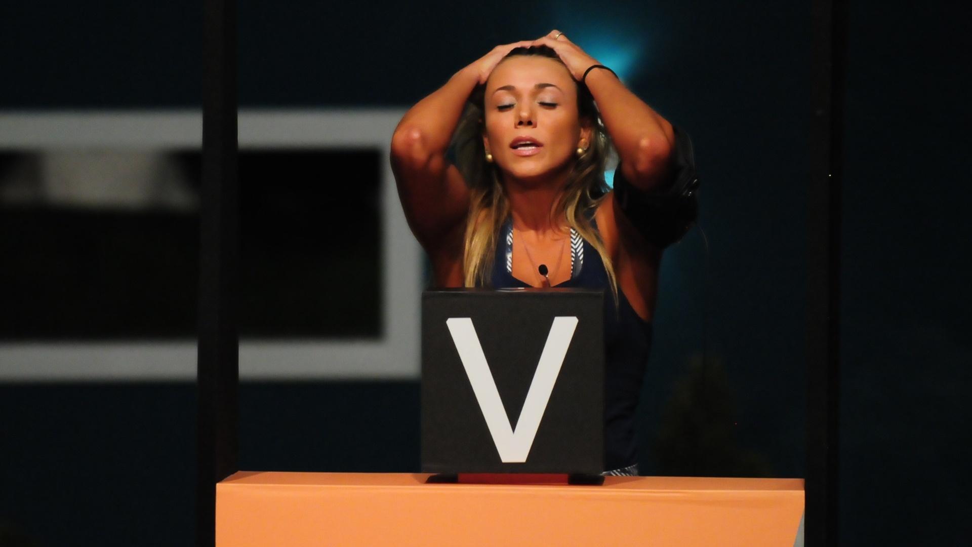 Fabiana vence prova do líder e indica João Carvalho para o paredão (19/3/12)