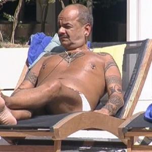 João Carvalho disputa o 11º paredão do programa com Fael