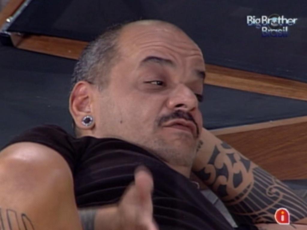 João Carvalho se desentende com Fael após formação de paredão (20/3/12)