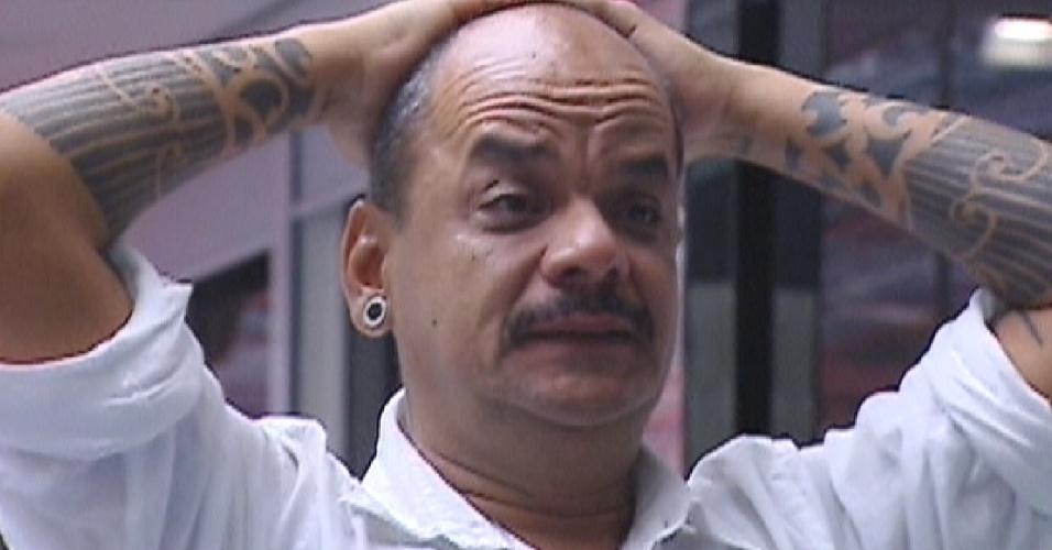 João carvalho se emociona com recado de sua irmã (20/3/12)