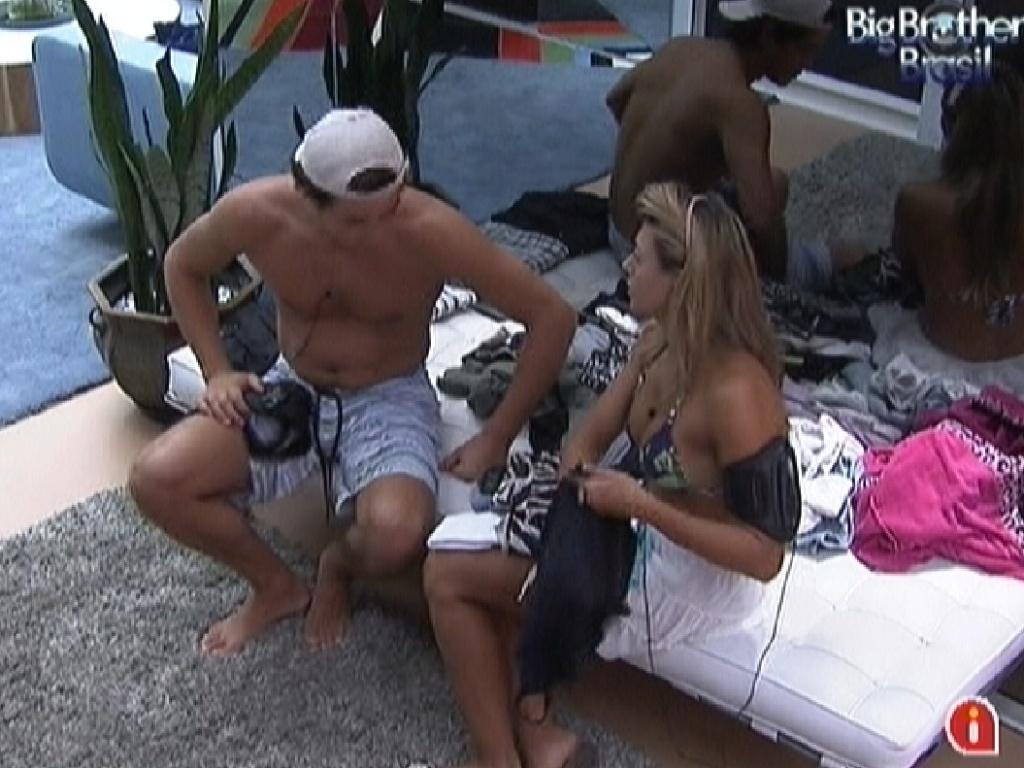Fael fala para Fabiana conversam sobre a prova do líder (22/3/12)