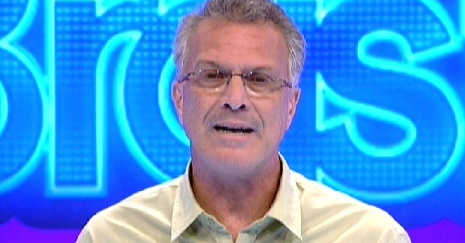 O apresentador Pedro Bial inicia o programa desta quinta-feira (22/3/12)