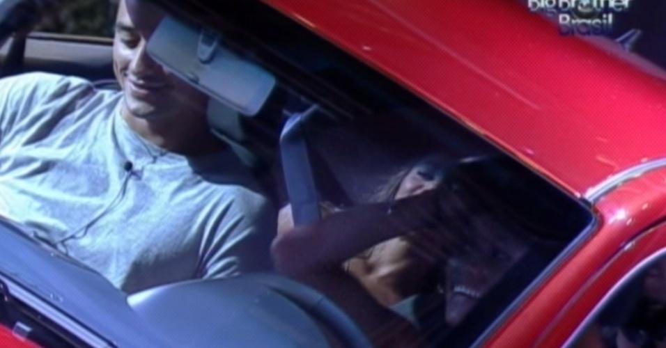 Brothers conversam e riem dentro do carro durante disputa pela liderança (23/3/12)