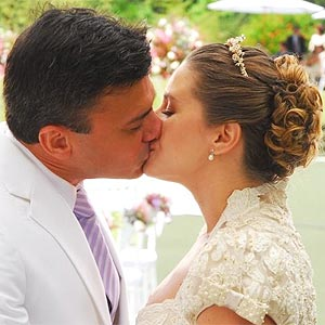 Maria e Marcelo se casam; veja as cenas do último capítulo da trama