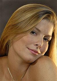Bárbara Borges interpreta garota de programa e contracena com Sérgio Marone