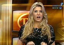 A ex-BBB Íris estréia ao vivo no programa TV Fama, da RedeTV!