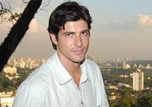 Dante (Reynaldo Gianecchini) será um homem com alma de anjo que se transforma ao longo da novela