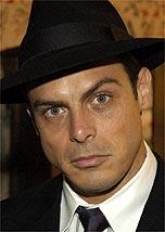 O ator Luigi Baricelli é o chantagista Raul, de <i>Alma Gêmea</b>