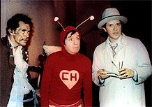 O personagem Chapolin, ao centro, durante gravação da série original